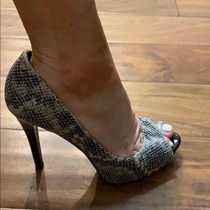 "Guess 3"" ladies faux snakeskin heels (size 6)"